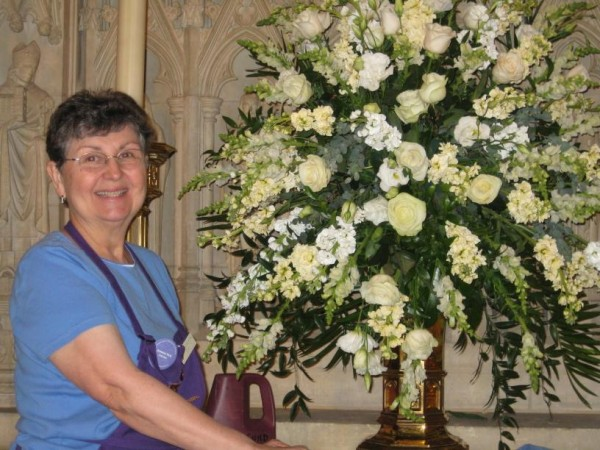 Jonnie Sue Hicks, Washington DC floral designer, will lead a hands-on flower arranging workshop August 18 at St. John's Church, Thomaston.  FMI: 3548734
