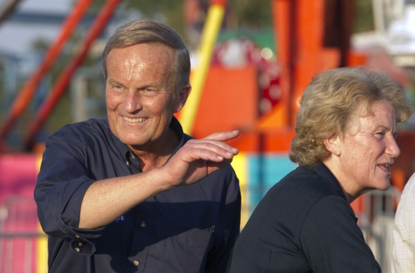 Senate candidate Rep. Todd Akin, R-Mo., campaigns his wife Lulli, right, during the Northwest Missouri State Fair in Bethany, Mo., Thursday, Aug. 30.