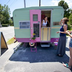 Portland awards six park spots to food trucks, carts