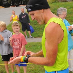 Fueled by pizza and cheese puffs, Maine native wins grueling 500 mile Vermont race — on foot