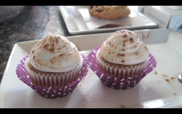 Cinnamon spice cupcakes from Bakery on the Hill in Portland, one of four cupcakes tasted this week for Foodie Files.