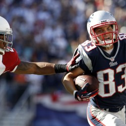 Welker back in middle of Patriots offense