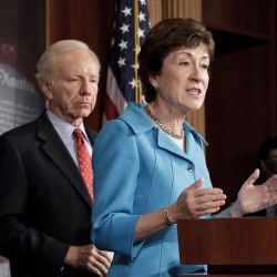 Collins, Lieberman back extending federal pay freeze