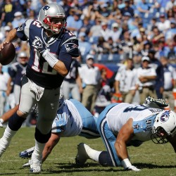 Locker debuts Sunday for Titans facing Brady, Patriots