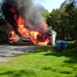 Fire destroys garage in Washburn