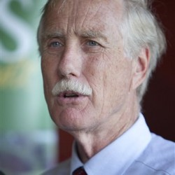 Angus King pledges to discourage super-PAC money if his opponents do the same