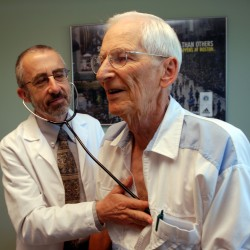 Doctors falling short helping seniors to avoid medical problems, poll finds