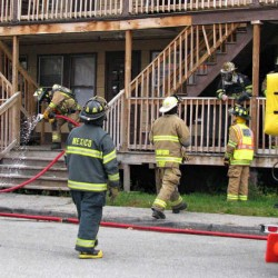 Space heater used to thaw frozen pipes ignites basement stairs at Mexico house