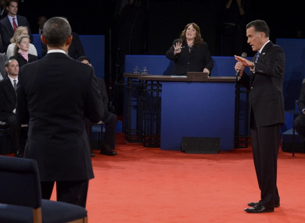 Moderator Candy Crowley speaks while U.S. President Barack Obama and Republican presidential nominee Mitt Romney battle during the second U.S. presidential campaign debate in Hempstead, N.Y.
