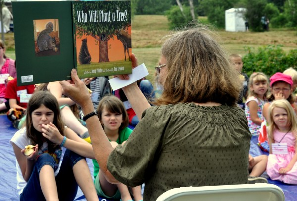Linda Uberseder, one the architects of a new science-based reading curriculum for young students, conducts a pilot program for the project at the August annual meeting of the Mount Desert Island-based Island Readers and Writers Institute, which will introduce the program into three Washington County schools in October.