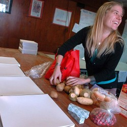 Union members give thanks with Solidarity Harvest