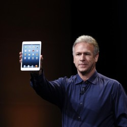 Apple shows off new mini, skinny iPads designs