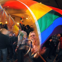Supporters of same-sex marriage outraise opponents 36-to-1