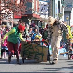 Full speed abed: Hundreds watch raucous MDI bed races