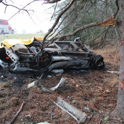 Palmyra man injured when car veers off I-95