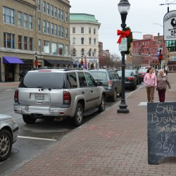 Downtown Bangor stores draw late shoppers