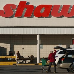 Shaw's lays off 4 percent of sales staff