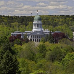Mainers likely to ignore national politics when voting for local lawmakers