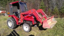 Julia's new Mahindra 2718.
