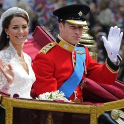 Palace says it will make criminal complaint against photographer over topless Kate pictures