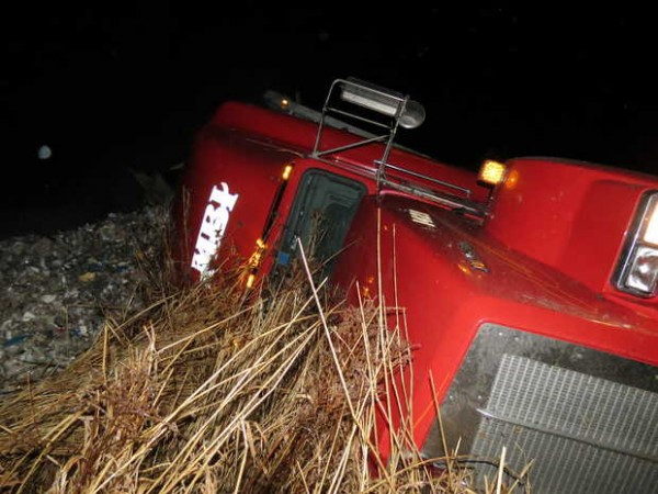 A northbound tractor-trailer went off Route 4 near Lake Auburn on Monday night. The driver was injured and taken to a hospital.
