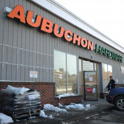 Bangor Aubuchon Hardware store's closing saddens customers, staff