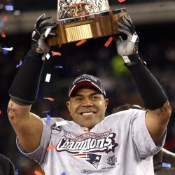 NFL's Junior Seau had brain disease from blows to head