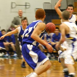 Late block by Brad Kong preserves Lee's boys basketball victory over Stearns