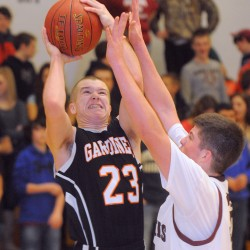 Pearl's basket lifts Nokomis boys basketball team past Mount View