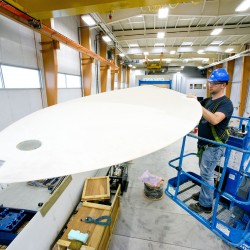 UMaine's wind turbine lab tests largest blade yet