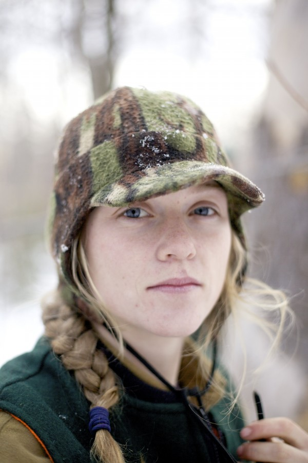Bear Crew member Lisa &quotKid&quot Bates' position on the team is the mole. Bates uses her small size as an advantage and crawls inside dens with sleeping black bears inside and injects them with a sedative before digging out the entrance and helping to pull out  the bear to study.