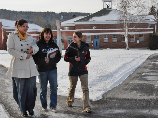 Students cross the University of Maine at Fort Kent campus quad in February 2013.