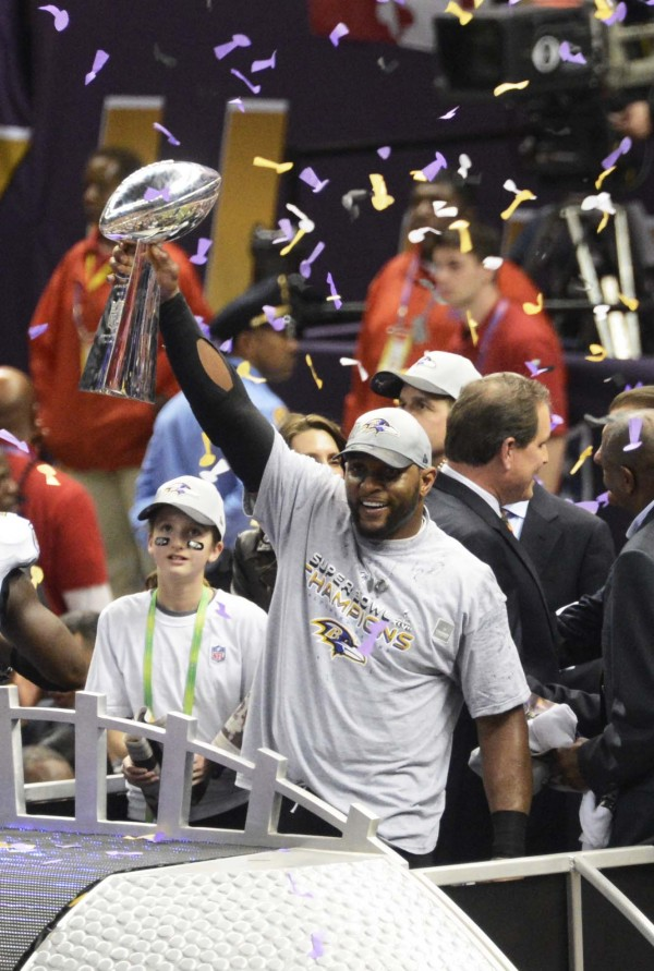 Baltimore Ravens inside linebacker Ray Lewis (52) holds the vince lombardi trophy after defeating the San Francisco 49ers 34-31 in Super Bowl XLVII at the Mercedes-Benz Superdome.