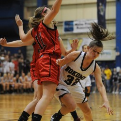 Hannah Shaw leads Mount Desert Island girls to upset of Presque Isle in EM B final