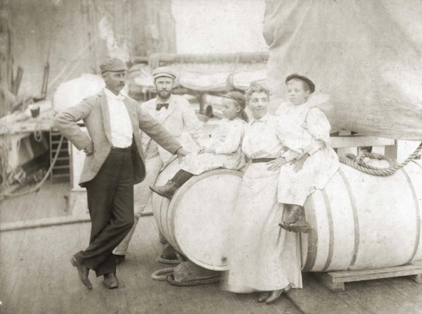 Gilkey family at sea. Courtesy of Penobscot Marine Museum photography collection.