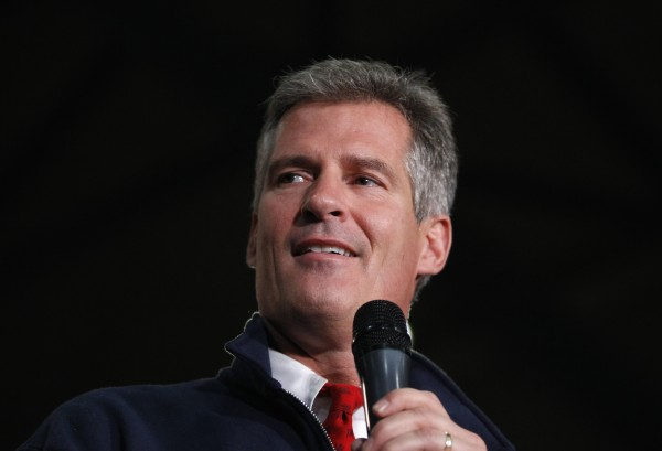 Sen. Scott Brown pauses as he addresses supporters during a campaign rally in Wakefield, Mass., Nov. 1, 2012.