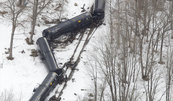 An oil train pulling 15 full 33,000-gallon crude oil tankers apparently spilled only 3 gallons of oil when it derailed Thursday near Winn.