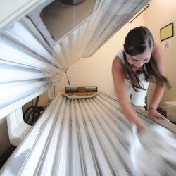 Bill would ban indoor tanning among all minors in Maine