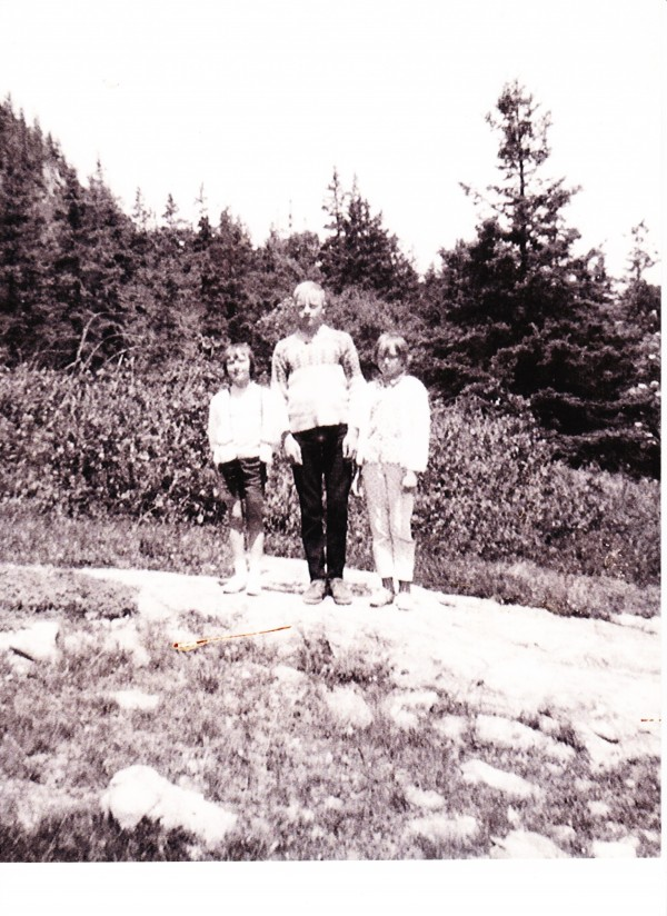 Siblings Inez, Alvin 'Pidge', and Mercy Beal pose in undated family photo. Pidge drowned saving his father during boating accident in 1972.