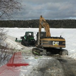 Portage Lake axes indicate trade link