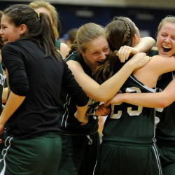 Waynflete junior sets Western Maine tourney scoring record, ties Blodgett for state record