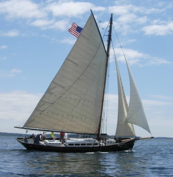 Vela Under Sail  (Photo by Maynard Bray)