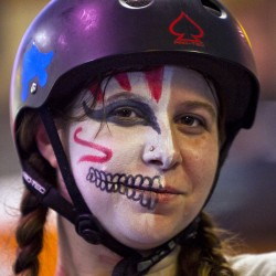 Girl power on display in first-ever Maine vs. Maine roller derby match