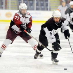 St. Dom's hockey team advances to semifinal