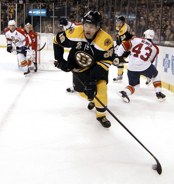 Boston Bruins right wing Jaromir Jagr (68) carries the puck out of the corner during the second period of a NHL game against the Florida Panthers.