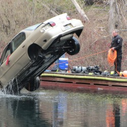 Appleton woman faces charges after escaping car that sank in water-filled Rockport quarry