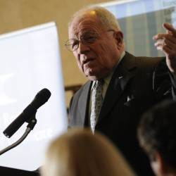 Disbarred attorney F. Lee Bailey's quest to practice in Maine moves to high court