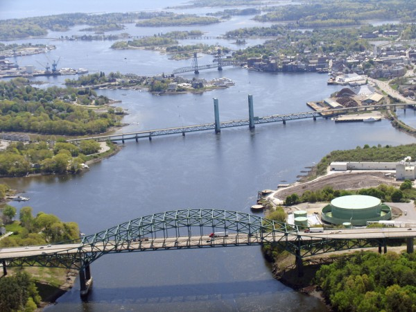 The Memorial and Sarah Mildred Long bridges, two of the three bridges that link Maine to New Hampshire over the Piscataqua River, are shown.