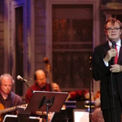 Keillor cautions during Waterfront Concert: 'Could you keep your voice down, there's neighbors'