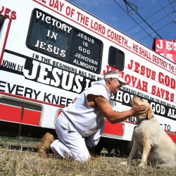 Roadside evangelist spreads Gospel with motor home — Nation
